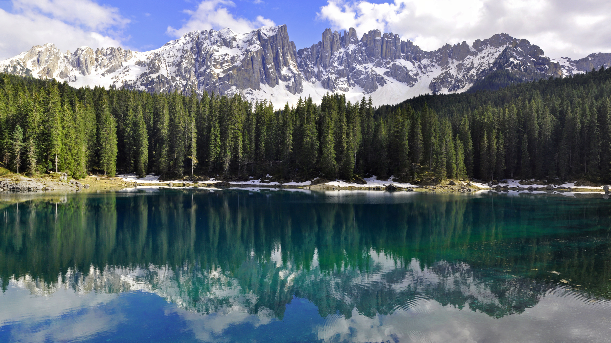 Click for HD wallpaper of the Dolomites!